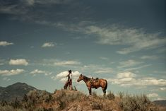 Cowboy Photography, Desert Aesthetic, Old West Photos, Cowboy Horse, Cowboy Baby, Cowboy Pictures, Animal Skeletons, Native American Girls, Planets Wallpaper