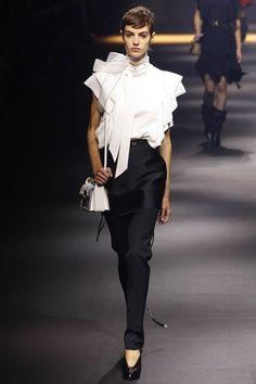 Sfilata Lanvin Parigi - Collezioni Primavera Estate 2016 - Vogue