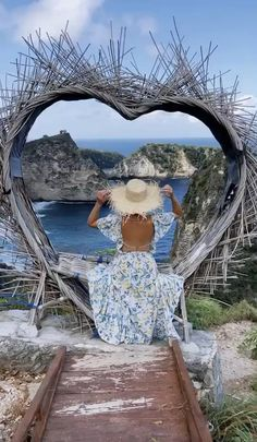 Beautiful Photos Of Nature, Beautiful Gif, Beautiful Places To Travel, Beautiful Moments, Beautiful Beaches, Bali, Girl Photography Poses, Nature Photography, Animated Love Images