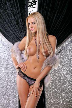 Bianca Dragusanu Topless