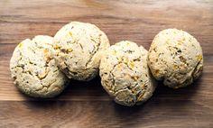 Glutenfria scones med mättande bovete och morot.