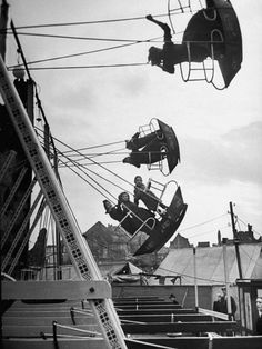 size: Photographic Print: Carnival, Showing One of the Rides by Walter Sanders : Subjects Black And White Photo Wall, Black White Photos, Black And White Photography, Carnival Photography, Vintage Photography, Vintage Carnival, Vintage Circus, Old Photos, Vintage Photos
