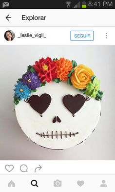 If you would like to be an expert at cake decorating, then you'll require practice and training. As soon as you've mastered cake decorating, you might become famous from the cake manufacturing business. Halloween Backen, Halloween Torte, Bolo Halloween, Day Of The Dead Cake, Gateaux Cake, Just Cakes, Holiday Cakes, Fancy Cakes, Savoury Cake