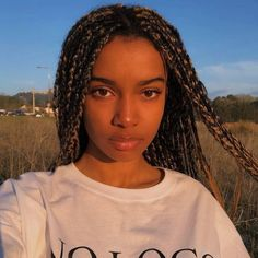 Braids make hair grow. So we think it's thanks to the braids! Certainly the protective hairstyles of this type allow our… Continue Reading → Try On Hairstyles, Box Braids Hairstyles, Trending Hairstyles, Winter Hairstyles, Black Girls Hairstyles, Blonde Box Braids, Black Braids, Curly Hair Styles, Natural Hair Styles