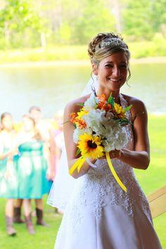 love the wedding bouquet