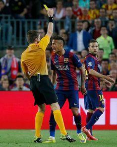Barcelona vs Bayern Munich 2015 Neymar Yellow