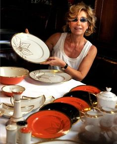 I would LOVE to have these plates for my house (Zsolnay porcelain)
