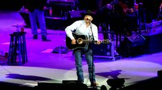 "George Strait  2-28-14 ""Give It All We Got Tonight"" Philadelphia,PA. Excellent quality video."