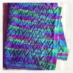 Another baby blanket for friends, I loved the wool when I saw it so had to make something with it! Check out my sewing on Etsy for something different #handmade #blanket #babyblanket #etsyshop #etsyseller #yarn #cosy #unusual #peacock #happierhandmade #handcrafted #handmadeisbetter