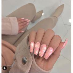 Poppin Peach glitter nails