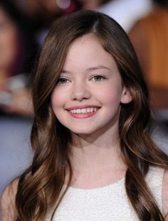 "Mackenzie Foy Photos - World Premiere of ""The Twilight Saga: Breaking Dawn - Part Theatre L. Live, Los Angeles, CA.November by Axelle Woussen). - The Twilight Saga: Breaking Dawn - Part 2 Twilight Saga, Mackenzie Foy, Breaking Dawn Part 2, Cute Young Girl, Female Images, Shakira, Britney Spears, Beautiful Actresses, Belle"