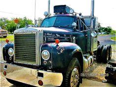 Old Mack Trucks, Big Rig Trucks, Semi Trucks, Antique Trucks, Vintage Trucks, Ho Scale, Custom Trucks, Rigs, Tractors