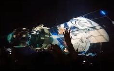 Vídeo alerta quanto a possibilidade dos governos usarem a tecnologia holográfica para forjarem uma invasão alienígena, o suposto Projeto Blue Beam.