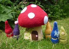 Crochet Toadstool House Free Pattern