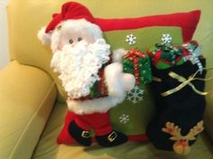 Producto Feeling Song, Christmas Cushions, Dory, Felt Crafts, Christmas Stockings, Projects To Try, Pillows, Holiday Decor, Cute