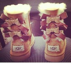 In 2016 the new UGG is coming soon, more beautiful designs, better quality, will bring you a better experience. As long as $39