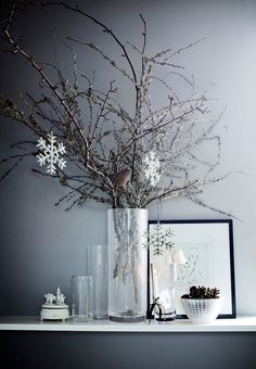 9 Nordic deco ideas for a chic Christmas (Daily Dream Decor) Christmas And New Year, Winter Christmas, Christmas Home, Christmas Crafts, Simple Christmas, Christmas Lights, Christmas Interiors, Scandinavian Christmas, Ideas Decoracion Navidad