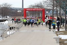 Running in the USA, has full lists of races by State, with website info and registrations