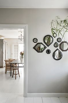 Nordiskt bohemiskt hos grundarna av Tine K Home Decor, Interior, Home, Gallery Wall, Beautiful Homes, House Interior, Stunning Interiors, Elle Decor, Mirror
