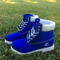 Custom Blue and white Timberlands by SpikedCons on Etsy Tims Boots, Timberland Boots Outfit, Cute Boots, Jordan Shoes Girls, Girls Shoes, Fashion Boots, Sneakers Fashion, Timberland Waterproof Boots, Hype Shoes