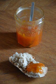 Découvrez la recette confiture d'abricots sur cuisineactuelle.fr.