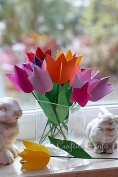 25 Fresh Paper Crafts for Spring: Paper Tulip Bouquet