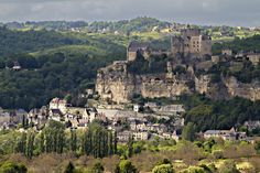 Le #château de #Beynac surplombe la vallée de la #Dordogne. #Périgord #France
