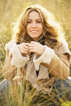 Listen to every Sheryl Crow track @ Iomoio Jewel Singer, Madonna Music, Best Country Music, Guitar Photography, Sheryl Crow, Music Photo, Music Icon, Portrait Inspiration, Female Images