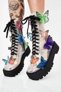 Club Exx Terrarium Butterfly Boots will have ya flyin' through mother nature's wonderland! Life is beautiful in these butterfly combat boots that have an epic clear glitter PVC construction, adjustable lace-ups, and side zip closures. Sneakers Mode, Sneakers Fashion, Fashion Shoes, Buckle Boots, Combat Boots, Lace Up Boots, Black Boots, High Boots, Cute Shoes