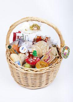 Cesta de navidad. Encarga ya tu cesta de Navidad. info@matrioskaseventos.com. golosa, mixta o íberica