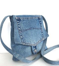 Small crossbody bag Recycled blue jean messenger bag by Sisoibags Small Messenger Bag, Small Crossbody Bag, Mochila Jeans, Jean Diy, Blue Jean Purses, Recycled Denim, Denim Bag, Diy Denim Purse, Purses And Bags