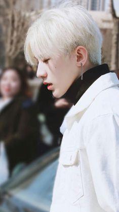those lipsssssss No Name, Ulzzang Boy, Pop Rocks, Handsome Boys, Pop Group, Girls Generation, Pop Fashion, Seventeen, My Idol