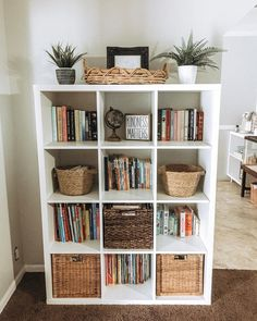 If you have been around here for a minute you know that I'm obsessed with 's kallax units. like, I have 3 in my house so far. Room Ideas Bedroom, Bedroom Decor, Style Deco, House Rooms, Home Decor Inspiration, Living Room Decor, Diy Home Decor, Interior Design, Cube Storage