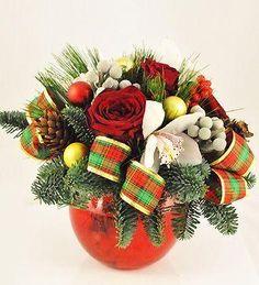 Doar pe www.123flori.ro Christmas Wreaths, Holiday Decor, Flowers, Christmas Garlands, Holiday Burlap Wreath, Royal Icing Flowers, Flower, Florals, Bloemen