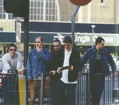 "noelgallagherblog:"" King's Cross, London.2nd May 1997@noelthegoodrebelofficial instagram"" Noel Gallagher Young, Liam Gallagher, Oasis Music, Liam And Noel, Britpop, Best Rock, Great British, Music Icon, Streetwear"