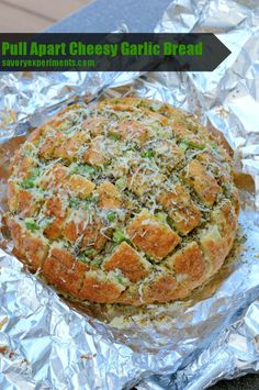 Pull Apart Cheesy Garlic Bread - also known as crack bread- your diners will literally tear this brad up! Make it tonight!