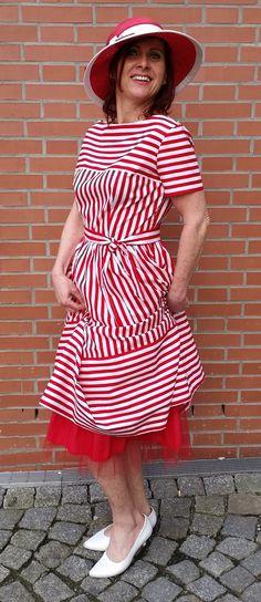 Kleid im 50er Jahre Stil nach Original Schnittmuster genäht von klennes
