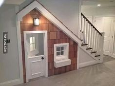 How awesome would this be? All my Harry Potter books would be shelved inside, of course
