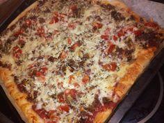 Tupun tupa: Pellillinen jauhelihapizzaa