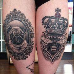Tatuagem de Coroa    Abelha, Pug e Coroa na Coxa