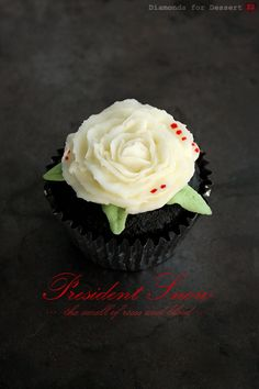Hunger Games Cupcakes: President Snow