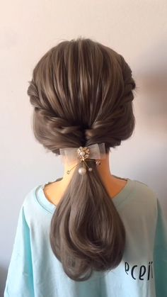 Hairstyles for Long Hair Videos Compilation of hairstyle tutorials 2019 Access all the Hairstyles: – Hairstyles for wedding guests – Beautiful hairstyles for school – Easy Hair Style for Long Hair – Party Hairstyles – Hairstyles tutorials for girls – Hair Braided Hairstyles Tutorials, Easy Hairstyles For Long Hair, Cute Hairstyles, Beautiful Hairstyles, Hairstyles Videos, Disco Hairstyles, Simple Hairstyles For School, Short Hair Tutorials, Frozen Hairstyles