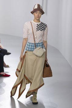 Loewe Spring/Summer 2018 Ready To Wear | British Vogue