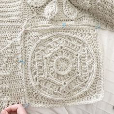The Dagny-Traveling Afghan Square 10 — Meghan Makes Do Crochet Block Stitch, Crochet Stitches Free, Crochet Square Patterns, Crochet Blocks, Crochet Squares, Crochet Yarn, Hand Crochet, Crochet Blankets, Crochet Granny