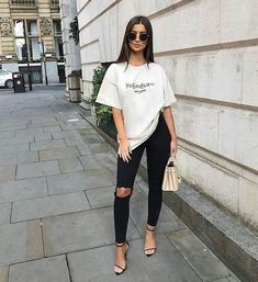 Women Jeans Outfit Girl Fashion Show Dresses Jins Pant Loose Jeans Petite Flared Trousers Khaki Dress Pants Jeans And Heels Outfit Outfit Jeans, Heels Outfits, Jean Outfits, Casual Heels Outfit, Casual Chic, Cute Casual Outfits, Stylish Outfits, Fashion Show Dresses, Fashion Outfits