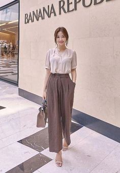 39 Korean Outfits That Make You Look Cool+ Korean Fashion Trends, Korean Street Fashion, Korea Fashion, Asian Fashion, Korean Fashion Office, Simple Outfits, Classy Outfits, Chic Outfits, Fashion Outfits