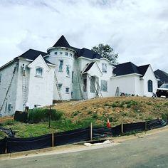 Paint day. #LouisvilleHomeBuilder #HomeBuildersLouisville #LouisvilleNewHomes #LouisvilleBuilders #Custom #HomeBuilderLouisville #LouisvilleCustomHomeBuilder #CustomHomeBuilder #CustomBuiltHomesLouisville #MeridianConstruction #NortonCommons #DavidWeis #Homearamabuilder