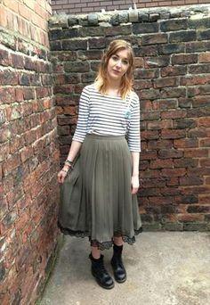 Vintage khaki midi length grunge skirt
