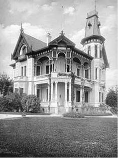 Palacete Von Bullow na Av. Paulista Ano: 1902 Autor: desconhecido