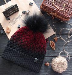 Crochet Fabric, Crochet Art, Crochet Crafts, Crochet Patterns, Crochet Beanie, Baby Blanket Crochet, Knitted Hats, Skirt And Sneakers, Cute Diys